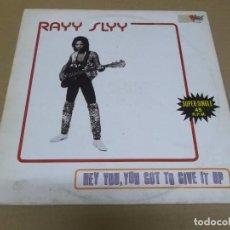 Discos de vinilo: RAYY SLYY (MAXI) DO IT TO THE MUSIC (3 TRACKS) AÑO – 1983. Lote 296701118