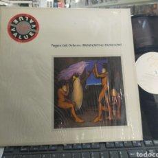 Discos de vinilo: PENGUIN CAFÉ ORCHESTRA LP BROADCASTING FROM HOME 1984 EN MUY BUEN ESTADO. Lote 297024938