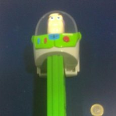 Dispensador Pez: DISPENSADOR PEZ GIGANTE BUZZ LIGHTYEAR MEDIDA 31CM X 10CM . Lote 38848618