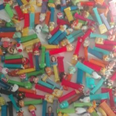 Dispensador Pez: LOTE DE UNOS 200 Y ALGO DISPENSADOR PEZ...MIRAR FOTOS. Lote 90367211
