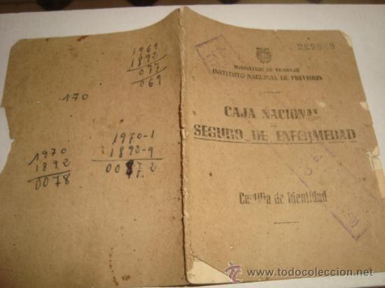 AÑO 52 CAJA NACIONAL SEGURO DE ENFERMEDAD , CARTILLA DE IDENTIDAD, MINISTERIO DE TRABAJO , (Coleccionismo - Documentos - Otros documentos)