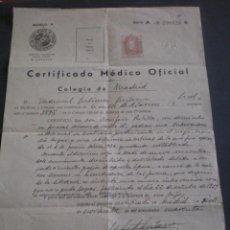 Documentos antiguos: CERTIFICADO MEDICO OFICIAL. MADRID 1940. CON TIMBRE, POLIZA O SELLO IMPRESO. Lote 43968958