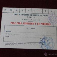 Documentos antiguos: TARJETA EXPOSITOR FERIA DE MUESTRAS DEL SURESTE DE ESPAÑA MURCIA, CON SELLO CEMENTOS ALBA. Lote 198605331