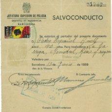 Documentos antiguos: SALVOCONDUCTO BARCELONA JUNIO 1939 SELLOS SUBSIDIO COMBATIENTE Y AUXILIO SOCIAL. Lote 58648096