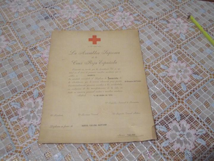 DIPLOMA DE SOCORRISTA DE LA CRUZ ROJA 1974 (Coleccionismo - Documentos - Otros documentos)