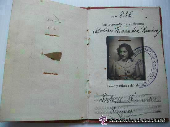 CARNET DE IDENTIDAD DE UNA CHICA DE LA UNIVERSIDAD DE SEVILLA. ESCUELA DE COMERCIO. 1946 (Coleccionismo - Documentos - Otros documentos)