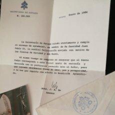 Documentos antiguos: CARTA Y ESTAMPA BENDECIDA DE FELICITACION NAVIDEÑA EN NOMBRE DE JUAN PABLO II. 1986.. Lote 80809194