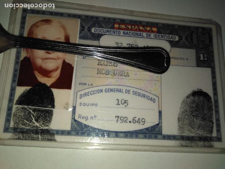 CARNET DE IDENTIDAD ESPAÑOL 1980 (Coleccionismo - Documentos - Otros documentos)