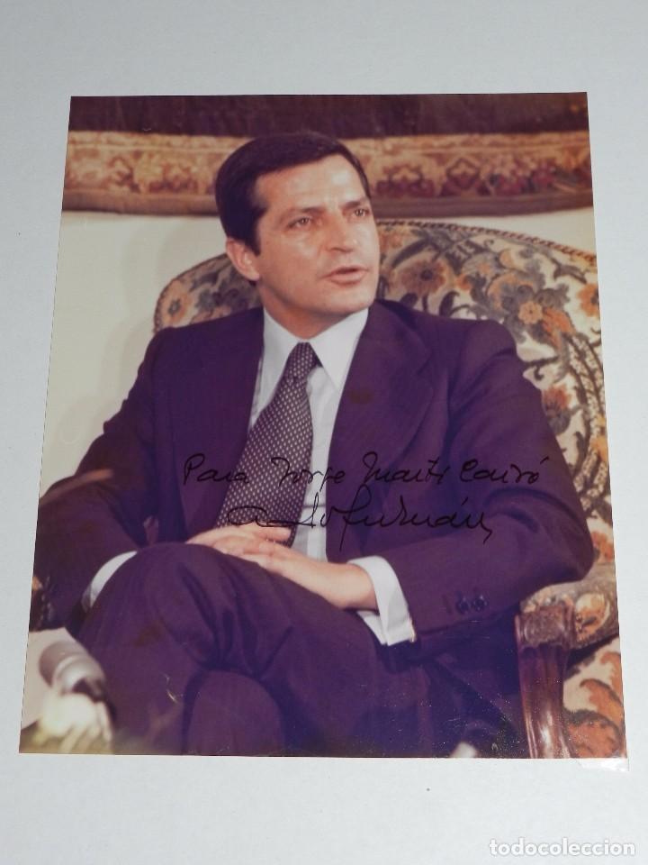 (M) AUTOGRAFO ORIGINAL DEL POLITICO ADOLFO SUAREZ GONZALEZ , PRESIDENTE DEL GOBIERNO DE ESPAÑA (Coleccionismo - Documentos - Otros documentos)