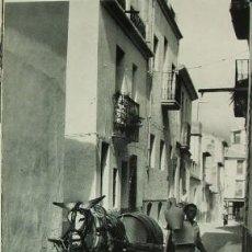 Documentos antiguos: BENIDORM ALICANTE UN AGUADOR LAMINA HUECOGRABADO AÑOS 40. Lote 97882859