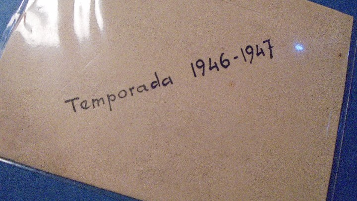 Documentos antiguos: PEÑA CULTURAL BARCELONESA - ANTIGUO CARNET ABONO ANUAL PALCO 1er. PISO Nº 6 TEMPORADA 1946-1947 - Foto 2 - 103317023