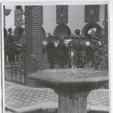 Documentos antiguos: FOTO PRENSA PRESSE BILD ORQUESTA DEL CAUDILLO OCTUBRE 1942 . Lote 103337195