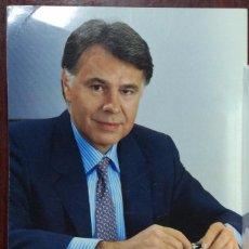 Documentos antiguos: FOTO FELIPE GONZÁLEZ - VOTA PSOE EN REVERSO. Lote 104628851