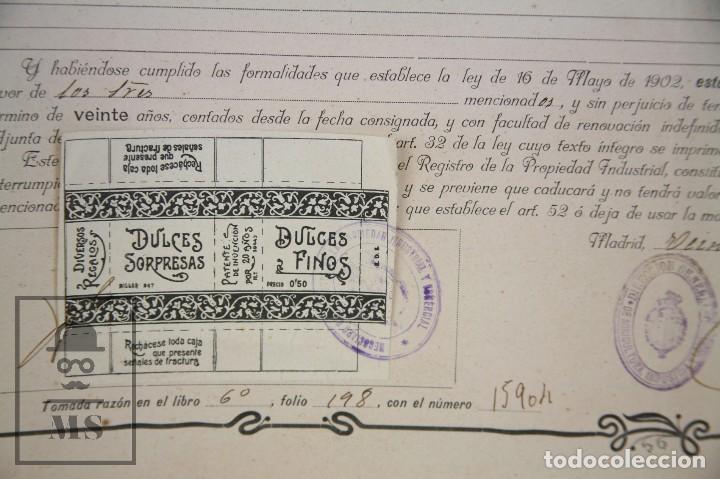 Documentos antiguos: Documentos de Patente de Invención y Certificado-Título - Envoltorio de Dulces - Barcelona, Año 1909 - Foto 3 - 112316627