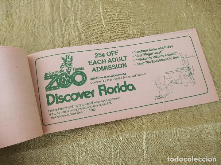 Documentos antiguos: discover the real florida,valuable family coupons 1980.9 vales.Librillo de entradas - Foto 8 - 118830979