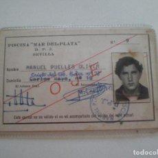 Documentos antiguos: CARNET PISCINA MAR DE PLATA D.P.J. SEVILLA 1975 // M. PUELLES OLIVER // CLUB LOS REMEDIOS TRIANA. Lote 129323531