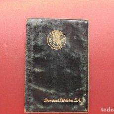 Documentos antiguos: CARNET STANDARD ELÉCTRICA SA, PIEL, 1953, TELÉFONOS, CABLES, 10X6,50 CM. Lote 129548247