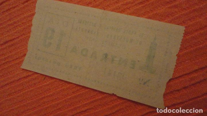 Documentos antiguos: ANTIGUA ENTRADA.XI FERIA OFICIAL Y NACIONAL MUESTRAS-ZARAGOZA 1951 - Foto 2 - 136748478