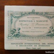 Documentos antiguos: TARJETA DE VISITA CON CROMO TROQUELADO DE 1923 - MUEBLES SUCESORES DE DOMINGO Y SABATÉ - SANS. Lote 137921846
