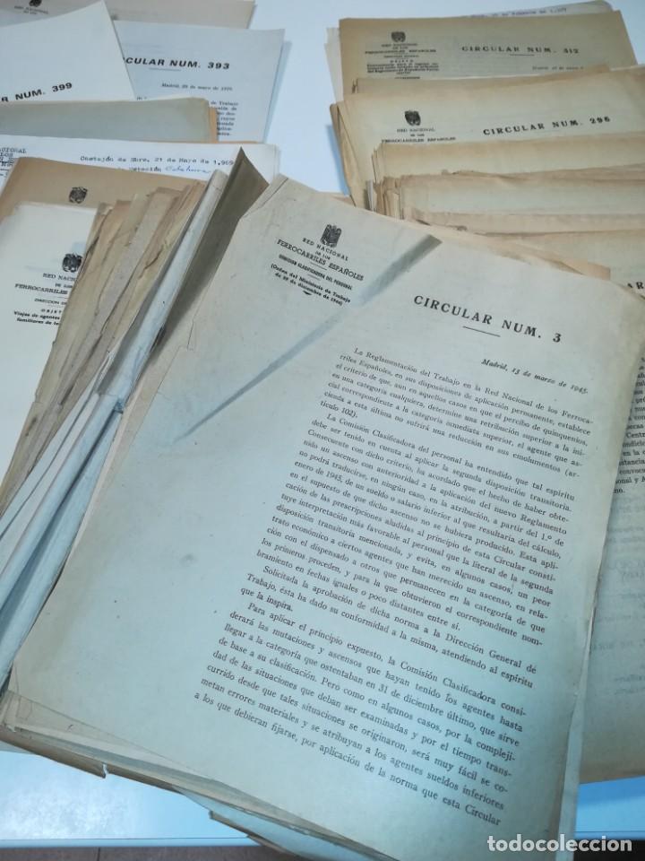 Documentos antiguos: Lote de circulares Renfe desde 1945 a 1974 - Foto 2 - 152062654