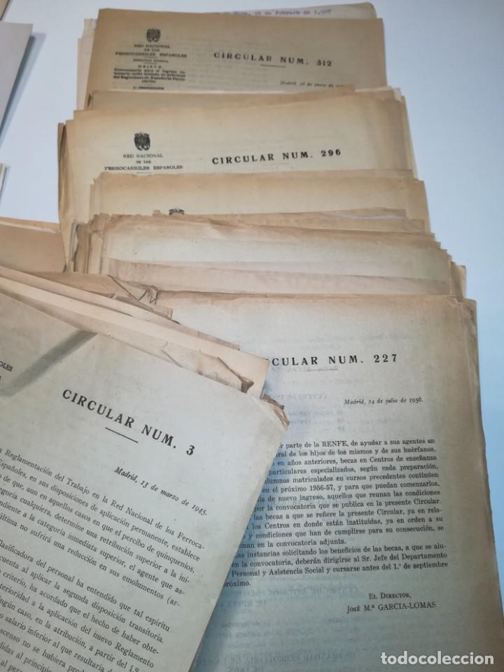 Documentos antiguos: Lote de circulares Renfe desde 1945 a 1974 - Foto 3 - 152062654