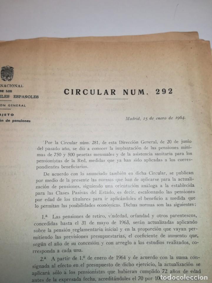 Documentos antiguos: Lote de circulares Renfe desde 1945 a 1974 - Foto 10 - 152062654