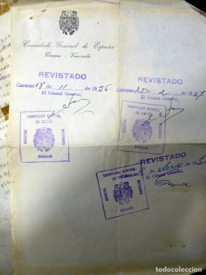 Documentos antiguos: PASAPORTE MATRIMONIO, EXPEDIDO EN SAN SEBASTIAN, 1950. CONSULADO CARACAS. TITULO CHOFER + PAPELES - Foto 20 - 152431038