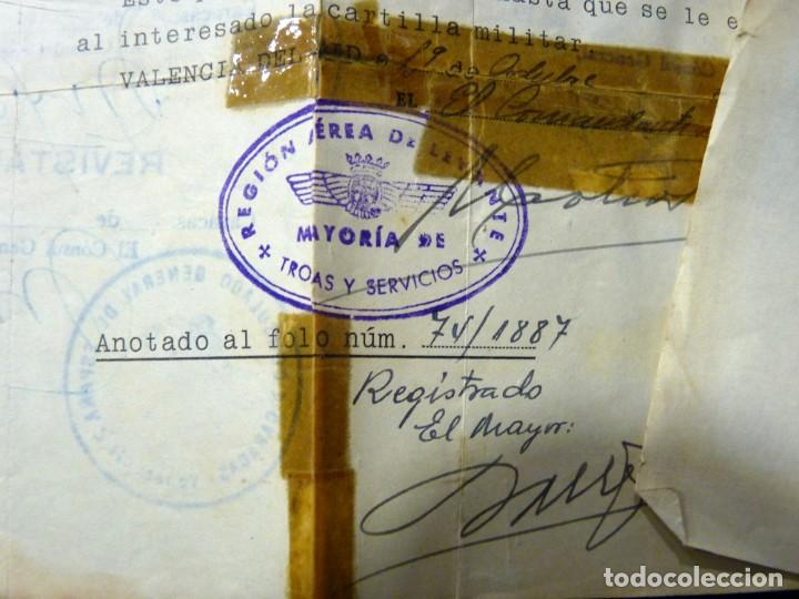 Documentos antiguos: PASAPORTE MATRIMONIO, EXPEDIDO EN SAN SEBASTIAN, 1950. CONSULADO CARACAS. TITULO CHOFER + PAPELES - Foto 21 - 152431038
