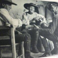 Documentos antiguos: LAGARTERA TOLEDO TIPOS ANTIGUA LAMINA HUECOGRABADO 1933 21 X 29 CMTS. Lote 154358790