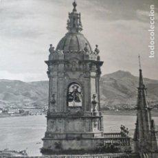 Documentos antiguos: FUENTERRABIA GUIPUZCOA TORRE DE LA IGLESIA ANTIGUA LAMINA HUECOGRABADO AÑOS 40. Lote 155003130