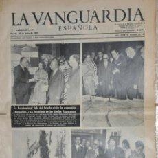 Documentos antiguos: HOJA LA VANGUARDIA 1970, VISITA DE FRANCO EN BARCELONA Y PERELADA, PERALADA. Lote 156538342