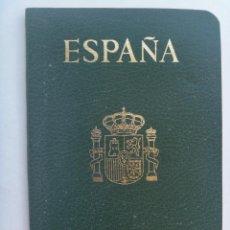 Documentos antiguos: PASAPORTE DE ESPAÑA DE SEÑORITA, ESTUDIANTE . CON CUÑOS , ETC. Lote 158550882