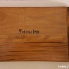 Documentos antiguos: ALBUM RECUERDO DE JERUSALEM CHAPADO EN MADERA AÑOS 50. Lote 166107274