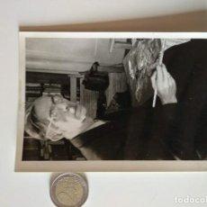 Documentos antiguos: FOTOGRAFIA ORIGINAL 1950 DEL PINTOR OTTO NAGEL, PINTOR. Lote 166393390