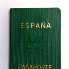 Documentos antiguos: PASAPORTE ESPAÑA (COMPL.32 PAG.) EXPEDIDO BARCELONA 1966 (FOTOS ADICIONALES). Lote 171407784