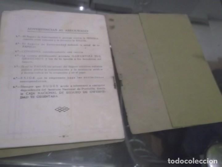 Documentos antiguos: CARTILLA CAJA NACIONAL DE SEGURO DE ENFERMEDAD . SEVILLA AÑO 1944 - Foto 4 - 175221442
