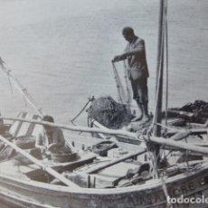 Documentos antiguos: PALMA DE MALLORCA PESCADORES ANTIGUA LAMINA HUECOGRABADO AÑOS 50. Lote 178578841