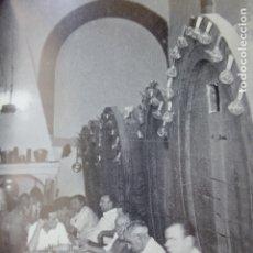 Documentos antiguos: MANACOR MALLORCA UN BAR ANTIGUA LAMINA HUECOGRABADO AÑOS 50. Lote 178581872
