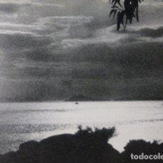 Documentos antiguos: ISLAS CIES PONTEVEDRA ATARDECER ANTIGUA LAMINA HUECOGRABADO AÑOS 40. Lote 178651161