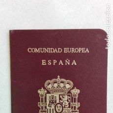 Documentos antiguos: COMUNIDAD EUROPEA - ESPAÑA : PASAPORTE DE SEÑORA. SEVILLA, 1989. CON CUÑOS. Lote 180295946