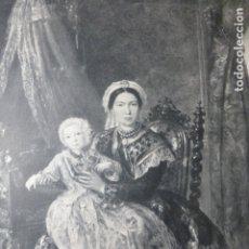 Documentos antiguos: ARANJUEZ MADRID ALFONSO XII NIÑO CON SU AMA DE CRIA ANTIGUA LAMINA HUECOGRABADO. Lote 183256128