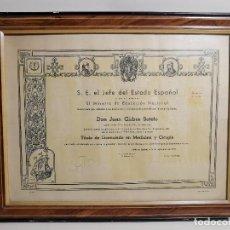 Documentos antiguos: TITULO ENMARCADO DE LICENCIADO EN MEDICINA Y CIRUGIA 1957 ---------REF-1AC. Lote 186452947