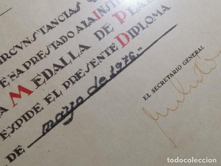 Documentos antiguos: CRUZ ROJA ESPAÑOLA--1976----DIPLOMA MEDALLA DE PLATA--------REF-1AC - Foto 7 - 186453946