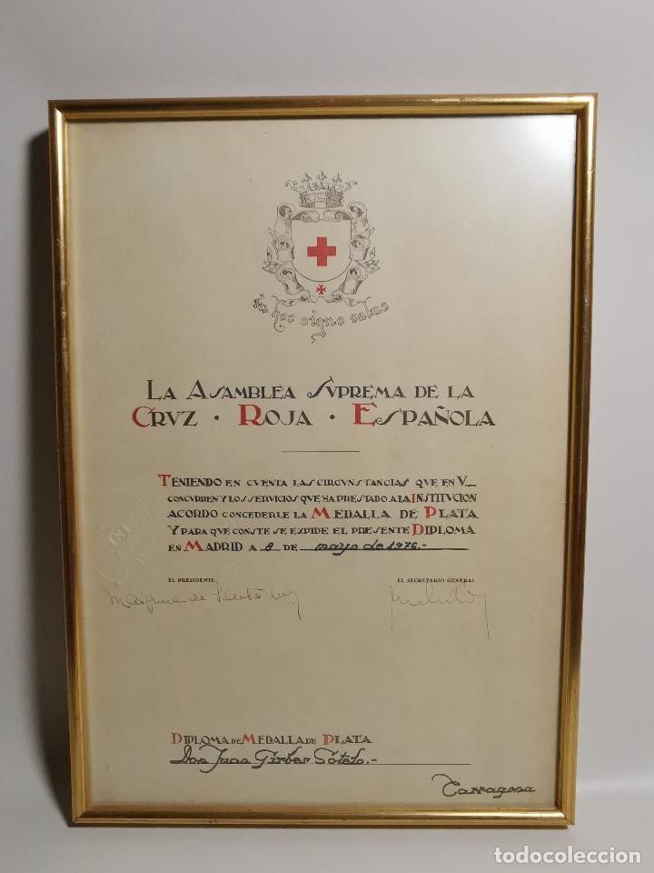 CRUZ ROJA ESPAÑOLA--1976----DIPLOMA MEDALLA DE PLATA--------REF-1AC (Coleccionismo - Documentos - Otros documentos)