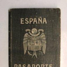 Documentos antiguos: PASAPORTE ESPAÑOL, CONCEDIDO PARA ASISTIR A LOS FUNERALES DE S.M. EL REY DON ALFONSO XIII (A.1941). Lote 194238805