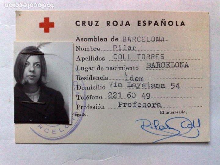 TARJETA PERSONAL DE LA CRUZ ROJA ESPAÑOLA DE SOCORRISTA,DIPLOMA DESDE 1969,ASAMBLEA DE BARCELONA (Coleccionismo - Documentos - Otros documentos)