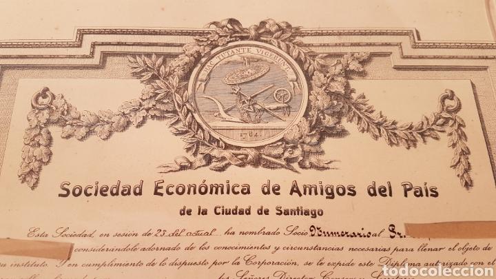 Documentos antiguos: ANTIGUO TITULO DE SOCIO DE SOCIEDAD ECONÓMICA DE AMIGOS DEL PAIS DE LA CIUDAD DE SANTIAGO. AÑO 1923 - Foto 2 - 197914086
