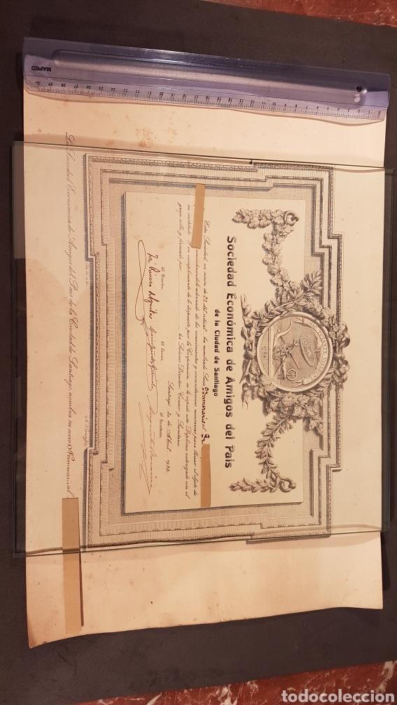 ANTIGUO TITULO DE SOCIO DE SOCIEDAD ECONÓMICA DE AMIGOS DEL PAIS DE LA CIUDAD DE SANTIAGO. AÑO 1923 (Coleccionismo - Documentos - Otros documentos)