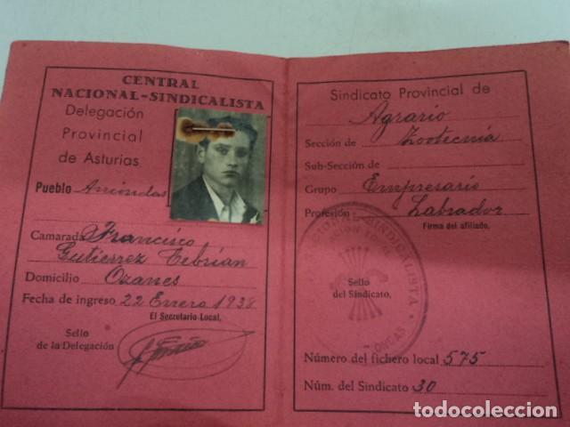 Documentos antiguos: CARNET ANTIGUO CENTRAL NACIONAL SINDICALISTA PROVINCIAL ASTURIAS 1938 CAMPESINO POST GUERRA CIVIL - Foto 2 - 198648122