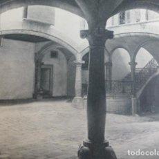 Documentos antiguos: PALMA DE MALLORCA PATIO DE LA CASA MORELL ANTIGUA LAMINA HUECOGRABADO AÑOS 50. Lote 204638773